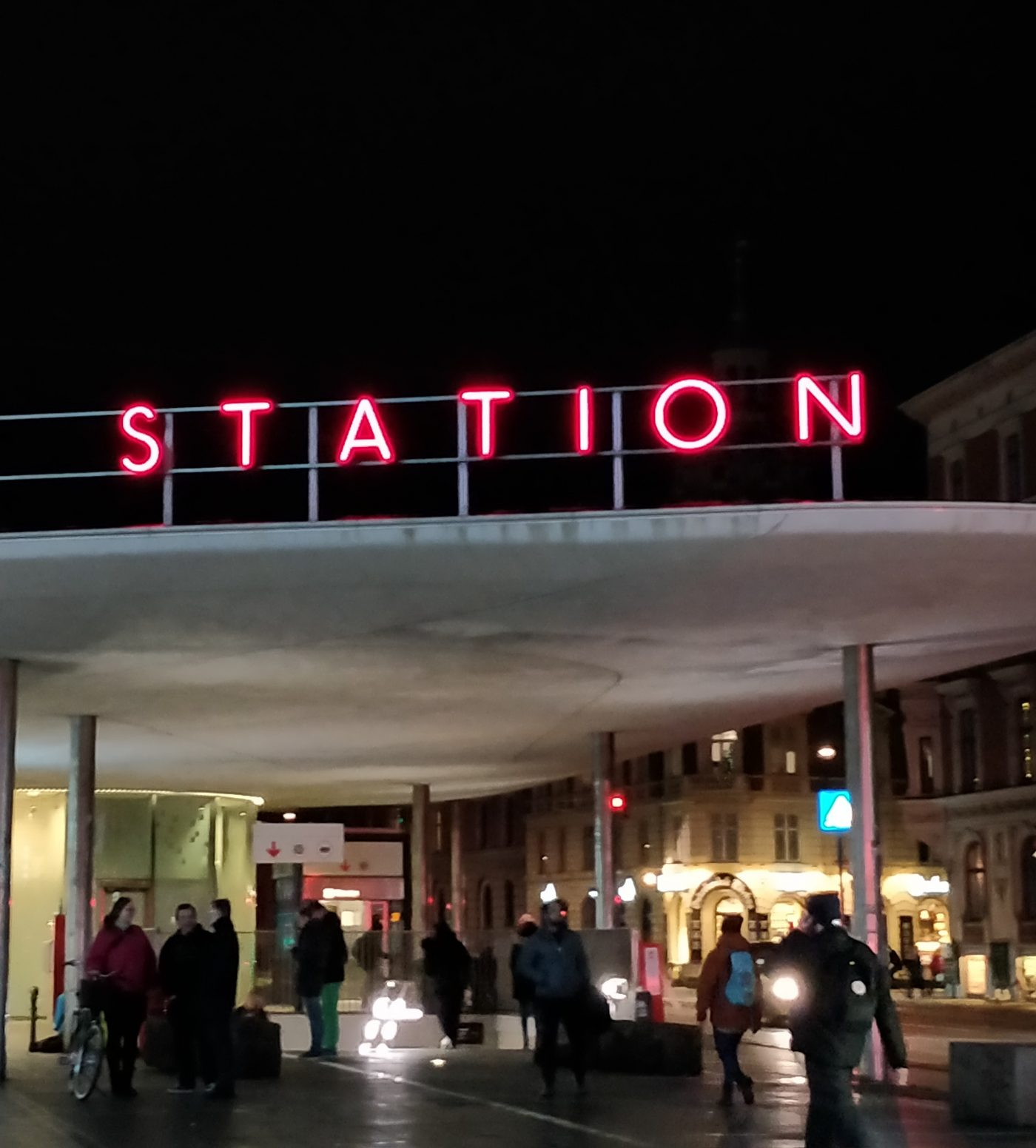 Nørreport station, aftenstemning.